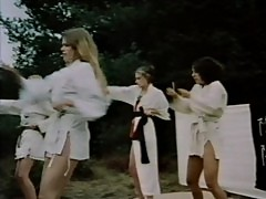 [Alpha Blue] The Vixens of Kung Fu (1975)